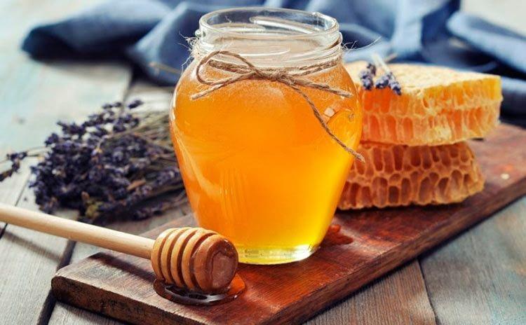 Como aprovechar los beneficios de la miel en cosmetica